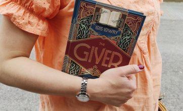 """""""The Giver"""": un mondo """"uniforme"""" e una sola persona capace di provare emozioni"""